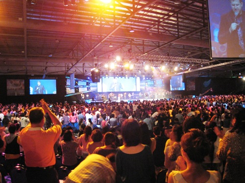 City Harvest Worship1.JPG