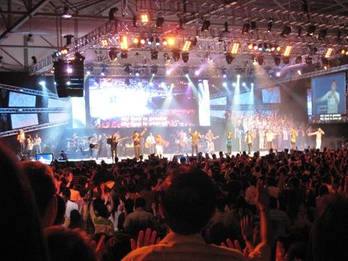 City Harvest Worship2.JPG