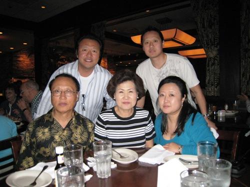 Diane's 08 B-Day Family Pic.JPG
