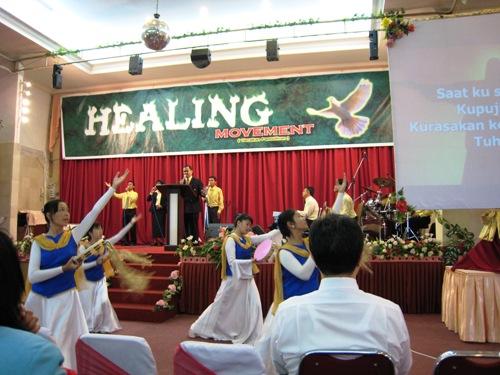 GBI Worship.JPG