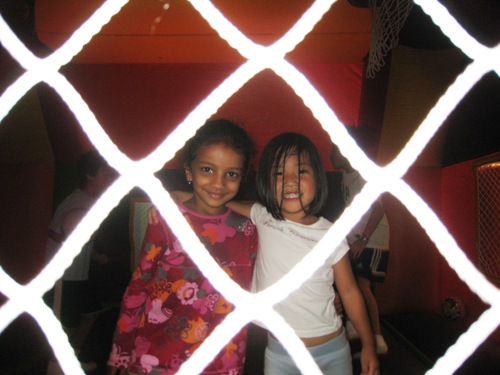 KiKi's 5th B-Day - In the cage.JPG