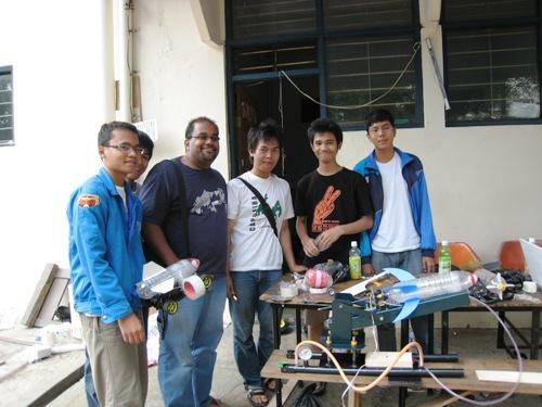 Rebi and ME Students.JPG