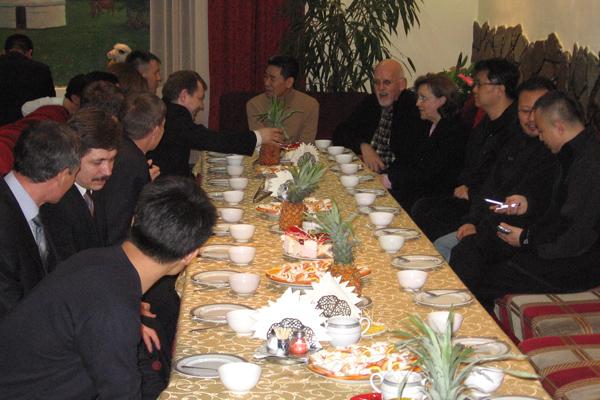 dinner_table2.jpg