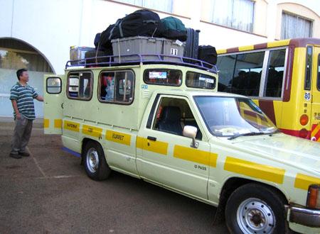 kenya_loaded_matatu.jpg