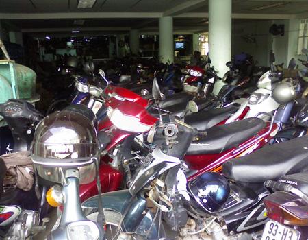 vietnam_scooters.jpg