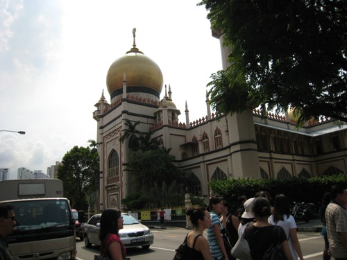 mosque-in-malay-town