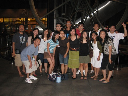 sg-alumni-09-and-team
