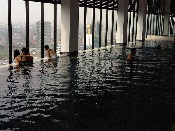 swimming-30th-floor